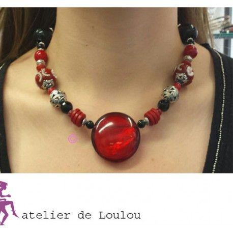 collier rouge et noir - pièce unique -