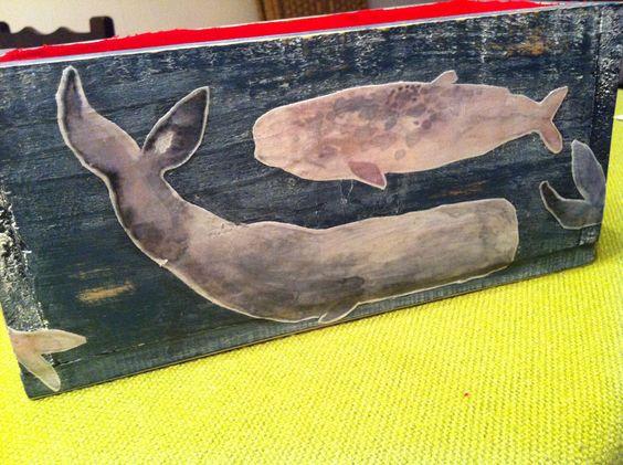 Esta es una cajita que hice para mi sobrinito que ama las ballenas....