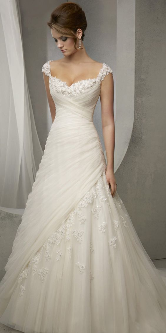 Elegant Tulle Sweetheart Neckline Natural Waistline A-line Wedding Dress With Beaded Lace Appliques,W0067
