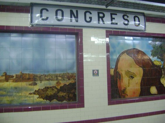 Estación subtes Ciudad de Buenos Aires.  http://www.periodismoactual.com.ar