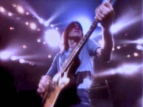 AC/DC PIC 17 MALCOLM YOUNG