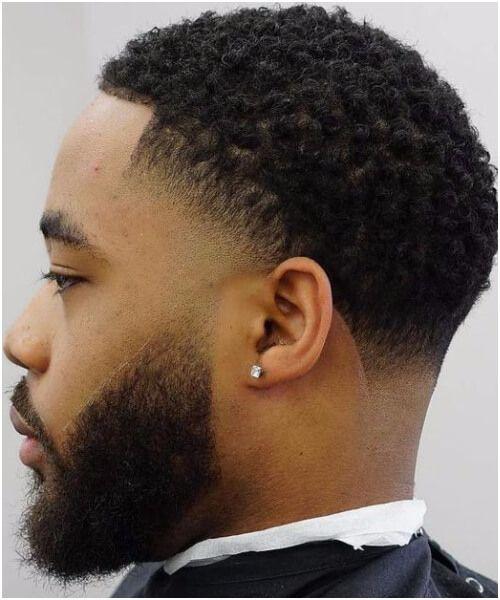 Frisuren Fur Schwarze Manner Mit Kurzen Haaren Schone Lockige Afro Frisur Haarschnitte Modell Frisuren Fur Schwarze Manner Schwarze Frisuren Haarschnitt Stile
