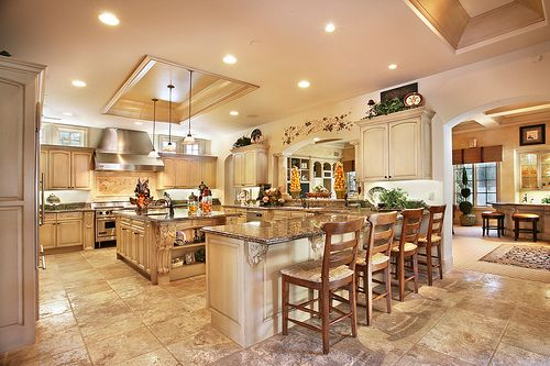 I want this big kitchen!
