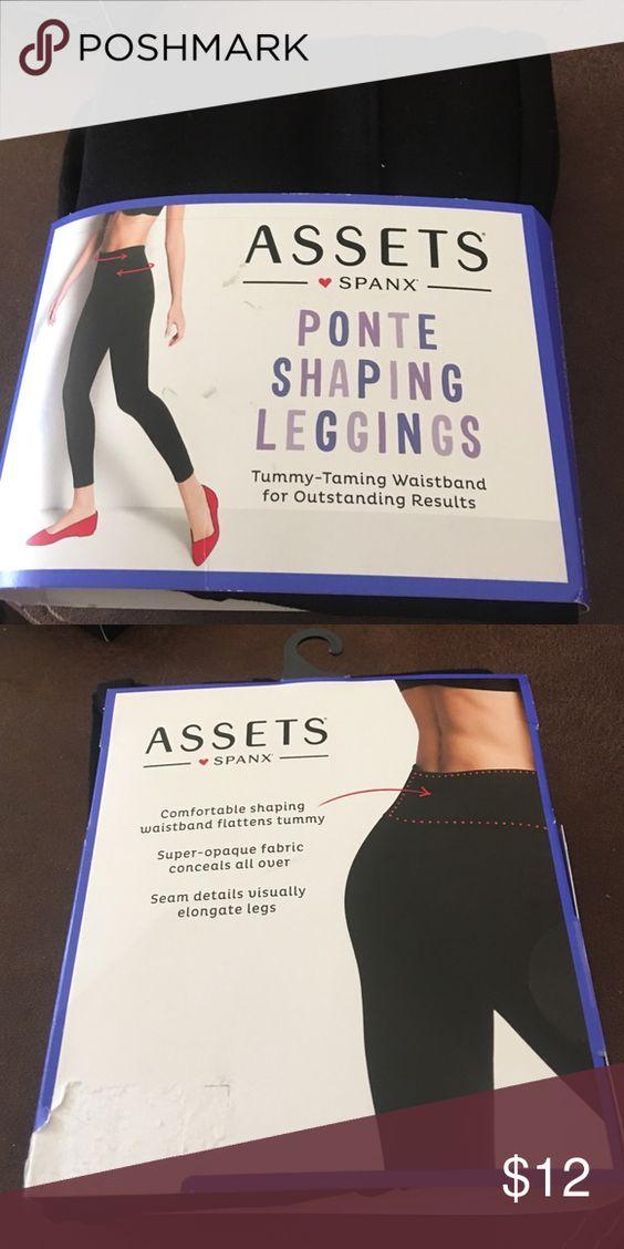 SPANX Leggings M Brand new. Still in package size medium leggings. SPANX Pants Leggings