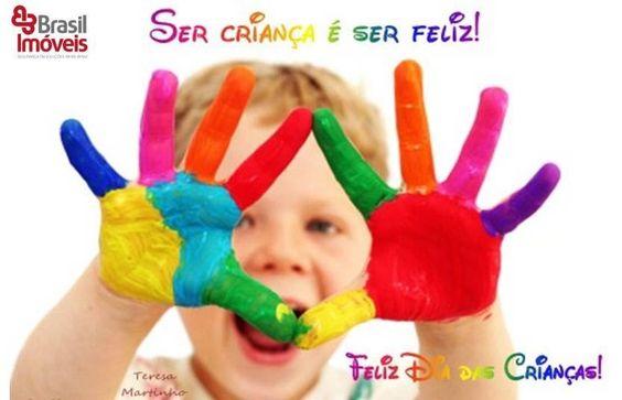 Ser criança é assim, correr até acabar o fôlego, rolar pelo chão sem medo de se sujar, falar o que vier na cabeça e fazer de qualquer coisa uma brincadeira. Época da vida da qual temos saudades quando envelhecemos. E é exatamente nesta data, que devemos não só valorizar a vitalidade infantil, como também procurar resgatar a essência da criança#diadascriancas #brasilimoveis
