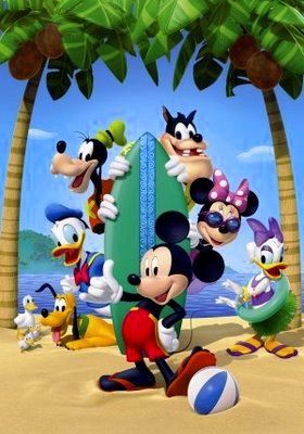サーフボードとミッキーマウスとその仲間たち