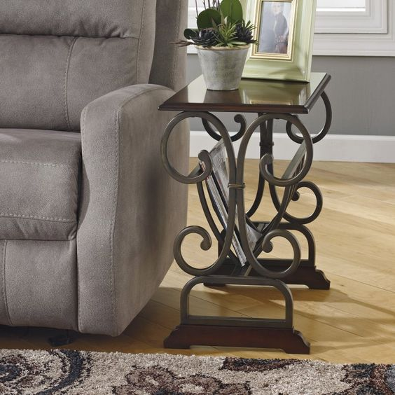 Signature Design by Ashley Braunsen End Table - T017-329