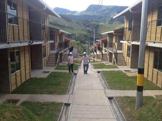 Proyecto Miraflores - 238 viviendas para familias Bolombolo colombia