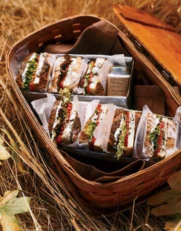 """Smoky """"BLT"""" smoky bleu cheese, romaine lettuce, beefsteak tomatoes, and rosemary mayonnaise"""