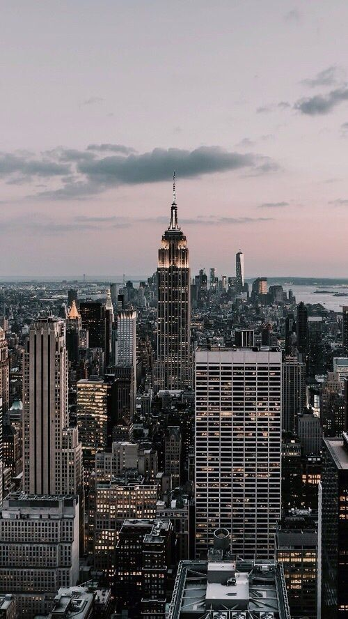 Pin By Music Is Life On By Ale New York Wallpaper City Aesthetic City Wallpaper