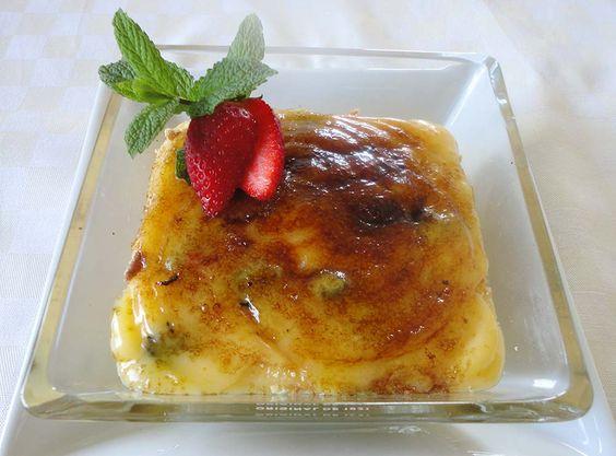 Un postre por capas que se unifican en placer al hundir la cuchara: Crema quemada de limón con fresas y kiwi. http://blog.cosasderegalo.com/2013/05/receta-de-crema-quemada-de-limon-con-fresas-y-kiwi/