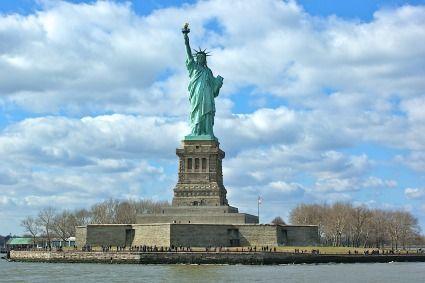 Flitterwochen USA. Freiheitstatue New York. Foto: Carl-Ernst Stahnke / pixelio.de