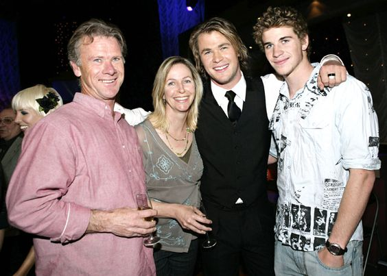 Stars and Their Dads | To be, Chris hemsworth parents and Dads