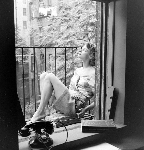 Sun Photograph by Nina Leen. New York City, July 1948.