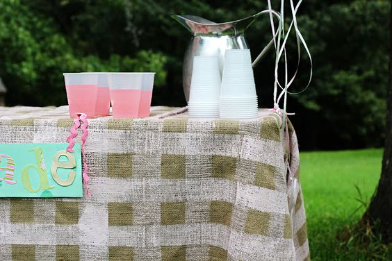 Me Sew Crazy: Gingham Burlap {Tutorial}...