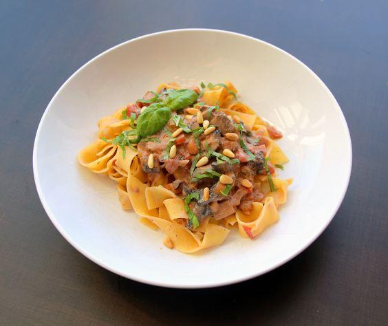 Meatless Monday: Smoky Mushroom Bolognese Sauce