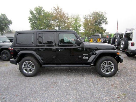 2018 Chrysler Dodge Jeep Ram Wrangler Unlimited Sahara