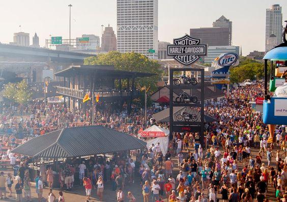 Milwaukee's annual Music Festival on Milwaukee's Lakefront
