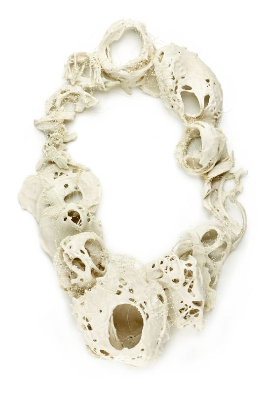 Maria Ignacia Walker Trascendieron 1 2015 Necklace-object, 28 x 45 cm, porcelain, horse hair and resin Photo by Marcos Bucco, courtesy of the artist: