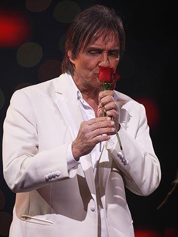 imagens do Roberto Carlos com as rosas - Pesquisa Google