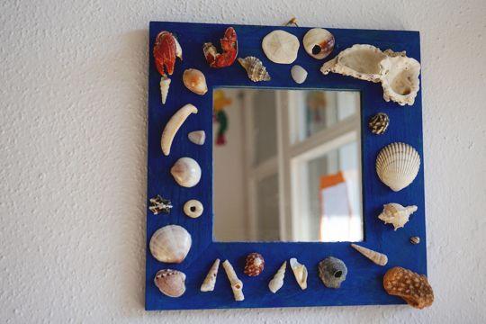 Spiegel mit Muschel-Deko - Bilder - Familie.de