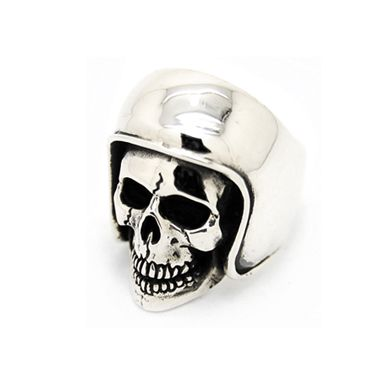Skull Rings from The Great Fog London: http://skullappreciationsociety.com/skull-rings-from-the-great-fog-london/ via @Skull_Society