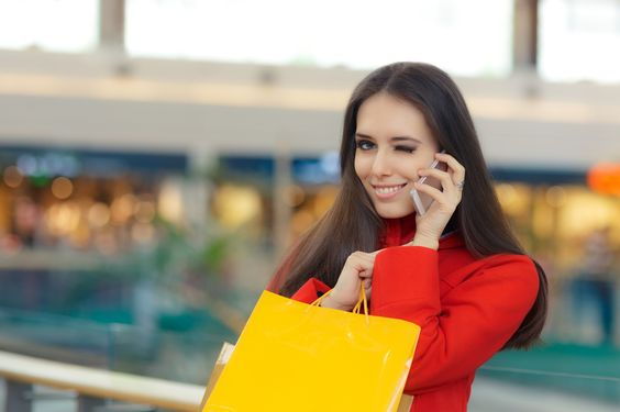Researchers have foundthe first five things that women assess when they look at a man. The magazineMen's Health surveyed 200 female readers of Women's Health, in orderto find out what wasthe first thing they noticed about a man. In the givensituation they were asked what they honed in on when they saw aman were dressed and on the street.