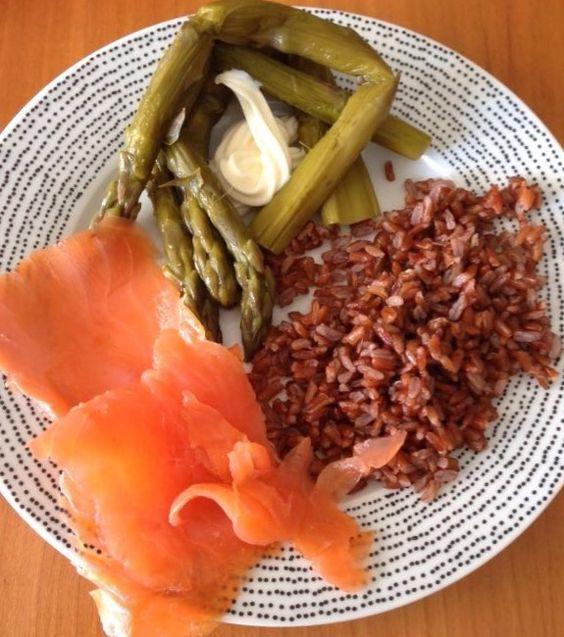 assiette optimale saumon fum asperges riz camarguais. Black Bedroom Furniture Sets. Home Design Ideas