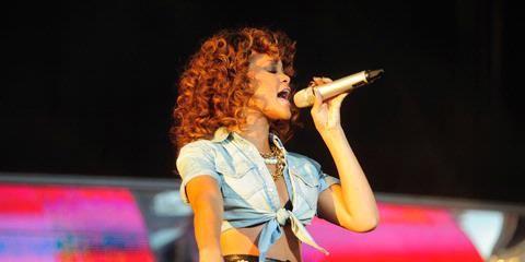Good news: Rihanna & Drake 'still set to headline Wireless Festival' says Wireless Festival promoter!