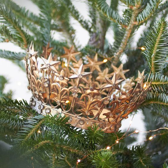 "Handmade especially for terrain, this decorative iron crown makes for a starry scene on the mantel, table, or tree.- A terrain exclusive- Iron- Wipe clean with dry cloth- Indoor use only- Imported4.25""H, 8.25"" diameter"