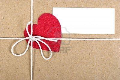 Resultados de la Búsqueda de imágenes de Google de http://us.123rf.com/400wm/400/400/alexan66/alexan661002/alexan66100200009/6372993-paquete-de-papel-con-la-tarjeta-de-san-valentin.jpg