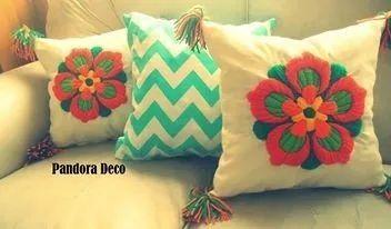 almohadón bordado mexicano 40 x 40 cm