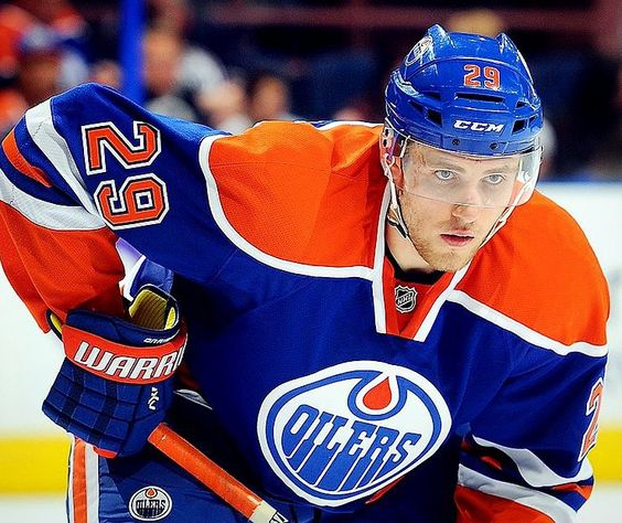 "edmontonoilers: ""Happy birthday @drat_29!  #Oilers #OilCountry @condors"""