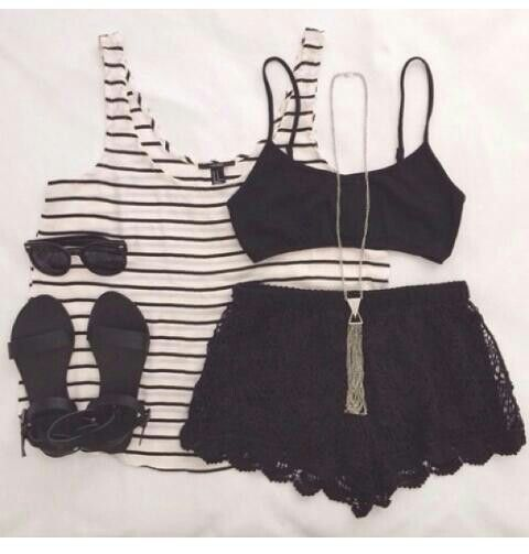 Black and White. #OutfitInsp.