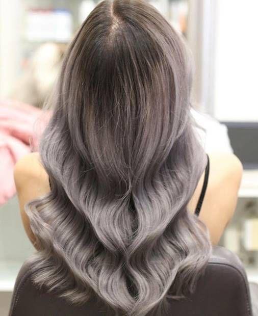 صبغة اومبري اشقر رمادي غامق و فاتح و فضي درجات اللون و الطريقة Ombrehair Hairstyles Haircolor Ha Ombre Hair Blonde Ash Blonde Ombre Hair Ombre Hair Color