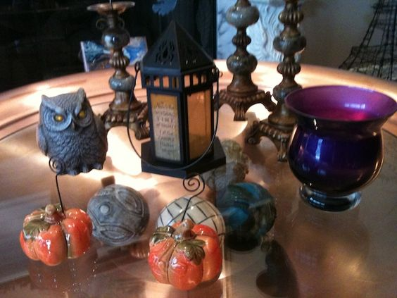 Decorating for Halloween Decorating for the Fall Season http://www.exploreyourspirit.com/blog/2011/09/20/bringing-the-outdoors-in-for-the-holiday-season/