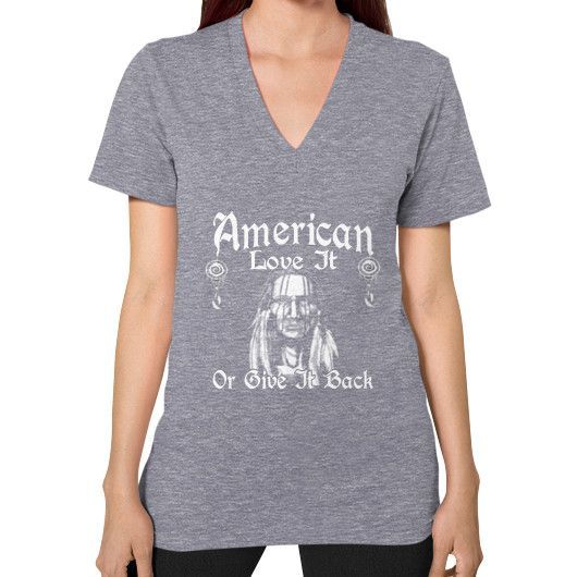 AMERICAN LOVE IT V-Neck (on woman)