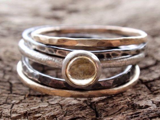Mixed metal stacking rings.
