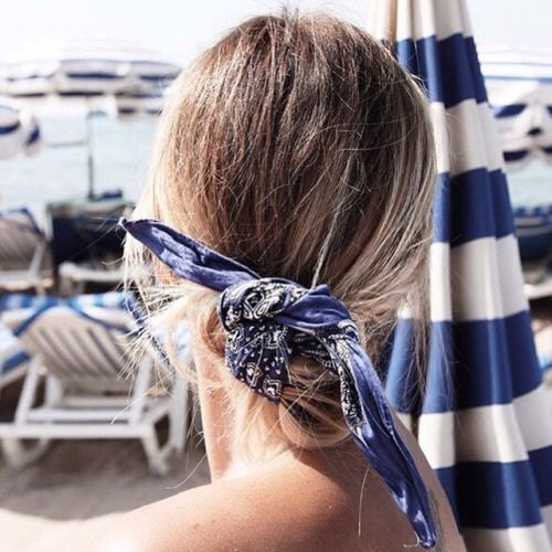 Lovely and easy to do bun with bandana. I'm going to try it soon! head band, hairstyles, accessories, hair, buns, handkerchiefs, beautiful and chic: