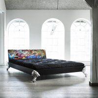 Détails Lit EAGLE BED avec tête de lit imprimée graffiti