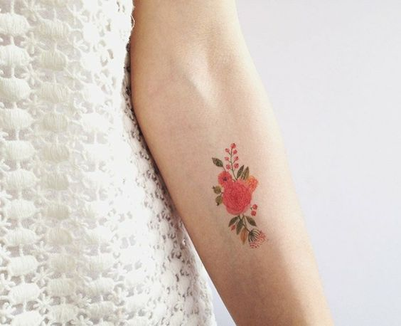 blumen tattoo motive unterarm frau tattoos pinterest. Black Bedroom Furniture Sets. Home Design Ideas