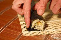 Cómo hacer sushi vegano: 9 pasos - wikiHow