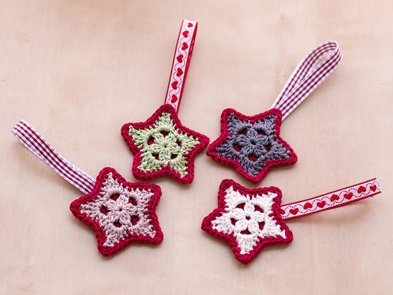 Ravelry: Christmas Overlay Star pattern by Carmen Rosemann
