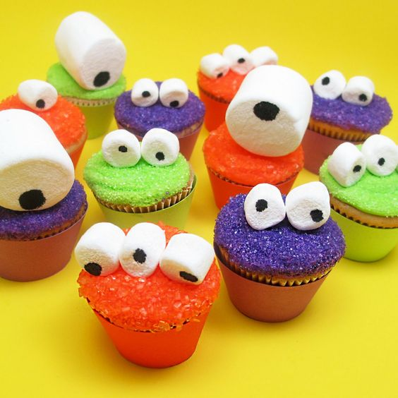 HALLOWEEN: googly-eyed monster mini cupcakes for Celebrations.
