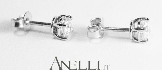 Orecchini punti luce con diamanti 2 X 0,20 carati colore F purezza VS1 #orecchinidiamanti #puntilucediamanti <3 http://www.anelli.it/it/orecchini-con-diamanti/punti-luce-diamanti-2-da-0-20-carati-f-vs1.html