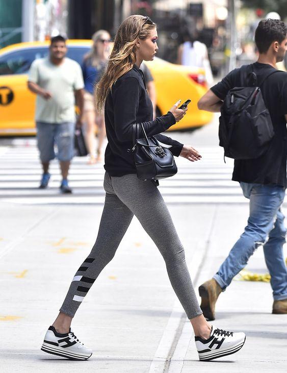 Platform sneakers - Gigi Hadid con inndossa un modello Hogan