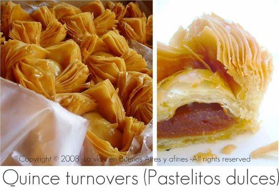Fried quince pastries.(masa de pastel y dulce de membrillo o batata, freir y espolvorear con azúcar glass)