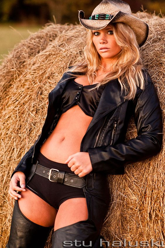 Sexy cowgirl style Join www.equestrianlover.com to meet more horse lovers,equestrian singles ,cowgirls and cowboys or country singles.