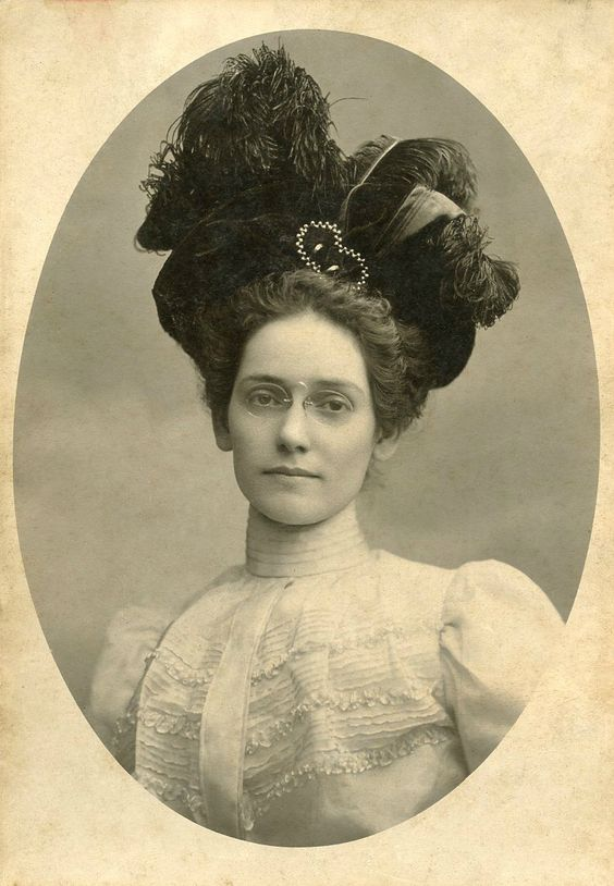 Portrait of a woman, circa 1900 | Pince nez need to come back into style soon!: