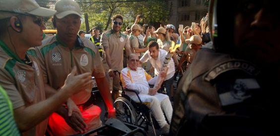 Morre no Rio o cirurgião plástico Ivo Pitanguy, aos 93 anoshttp://noticias.uol.com.br/cotidiano/ultimas-noticias/2016/08/06/morre-no-rio-o-cirurgiao-plastico-ivo-pitanguy-aos-93-anos.htm